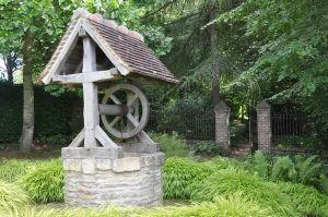 water_well_in_garden_of_cambremer_france